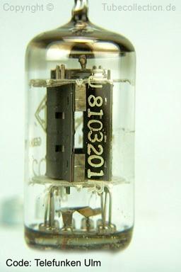 ECC81 Telefunken  Röhre  gleiche Batch Nummer  Raute und rotes C am Boden  tube